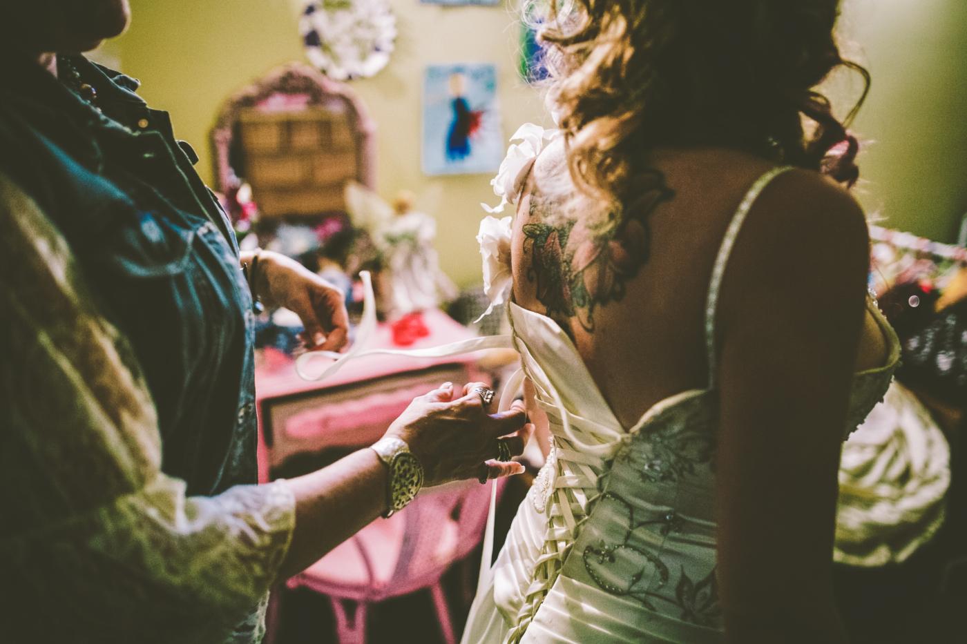 Calgary Wedding Photographer in Cremona